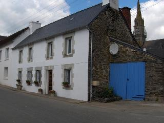 Charming 5 bedroom Vacation Rental in Mur-de-Bretagne - Mur-de-Bretagne vacation rentals