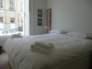 945 - Park Street Apartment - Bath vacation rentals