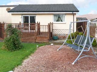 RAMBLERS' REST, single-storey, views of Ben Nevis, decked terrace, ideal for a couple or small group, near Fort William, Ref 915 - Fort William vacation rentals
