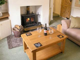 ORCADIA COTTAGE, woodburner, WiFi, character cottage in Sturminster Newton, Ref. 916146 - Sturminster Newton vacation rentals