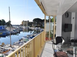 Nice 2 bedroom Apartment in Mandelieu La Napoule - Mandelieu La Napoule vacation rentals