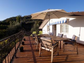 Perfect 4 bedroom Casola in Lunigiana Villa with Internet Access - Casola in Lunigiana vacation rentals