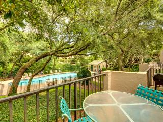 Three bedroom townhome steps away from the ocean - Amelia Island vacation rentals