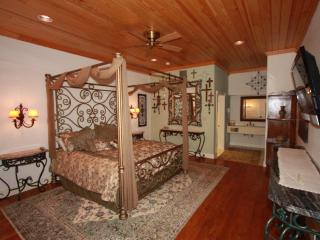Wrought Iron Suite at Friedhelm's Restaurant - Fredericksburg vacation rentals