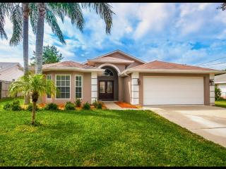 Gorgeous House with Internet Access and A/C - Tarpon Springs vacation rentals