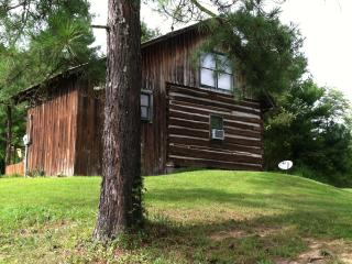Theobald Cabin at Croy's Cabins in Greeneville, TN - Johnson City vacation rentals