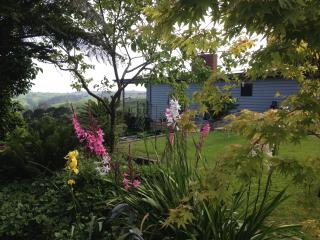 Halcyon Cottage Retreat - stunning views Gippsland - Gippsland vacation rentals