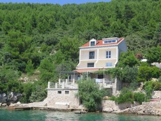 Ratac Lobrović Apartments with a sea view - Blue - Slano vacation rentals