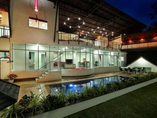 Luxury 8 bedrooms Villa Nap Dau for rent Phuket - Chalong Bay vacation rentals