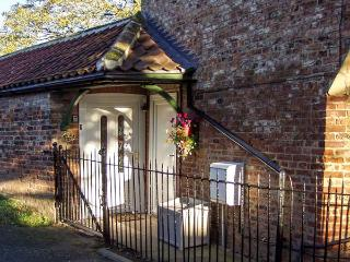 GLENCOE COTTAGE, romantic, single-storey, open plan, in Elvington, Ref 915803 - Sutton on Derwent vacation rentals