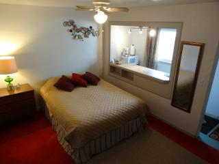 Vacation Studio - Cozy & Clean - North Bend vacation rentals