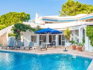 Charming 4 bedroom Quinta do Lago Villa with Internet Access - Quinta do Lago vacation rentals