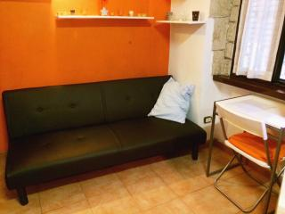 Cute studio on 2 levels - Navigli - Milan vacation rentals