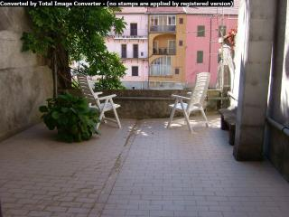 Nice Townhouse with Short Breaks Allowed and Long Term Rentals Allowed (over 1 Month) - Pontremoli vacation rentals
