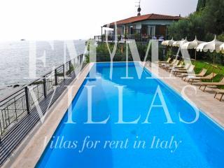 Villa Cappellina 14+4 - Torri del Benaco vacation rentals