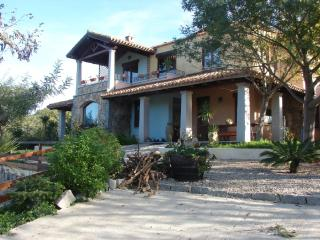 Beautiful Villa in Cardedu with A/C, sleeps 5 - Cardedu vacation rentals