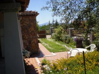 VACATION HOUSE WITH GARDEN AT 400 METERS FROM THE - Tertenia vacation rentals