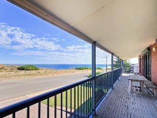 Perfect 4 bedroom House in Moana - Moana vacation rentals