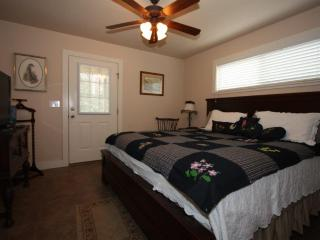 Annette's Cottage Suite B - Has a 2 Person Hot Tub - Fredericksburg vacation rentals