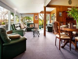 3 bedroom Cottage with A/C in Daylesford - Daylesford vacation rentals