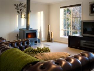 Spacious 5 bedroom House in Daylesford with A/C - Daylesford vacation rentals