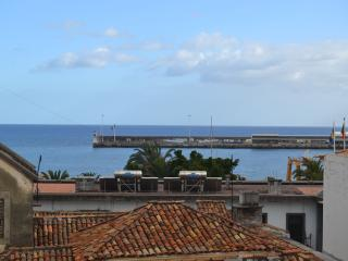 1 Bdr Apt Funchal Center Sea View 3S - Funchal vacation rentals