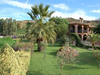 Charming 2 bedroom House in Cardedu with Deck - Cardedu vacation rentals
