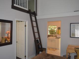 BUNGALOW BLISS - CONVENIENT, CHARMING, AND COZY - Pasadena vacation rentals