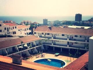 Los Cristianos Apartment with Sea Views and Pool - Los Cristianos vacation rentals