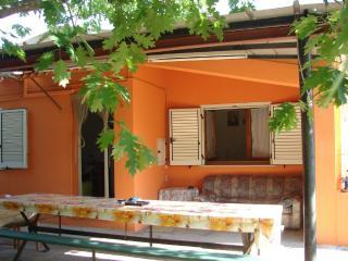 Beautiful 3 bedroom House in Girasole with Deck - Girasole vacation rentals
