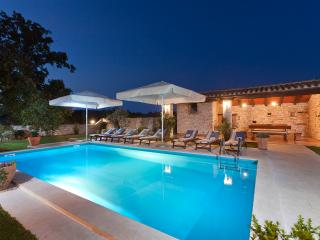 Perfect 5 bedroom Vacation Rental in Svetvincenat - Svetvincenat vacation rentals