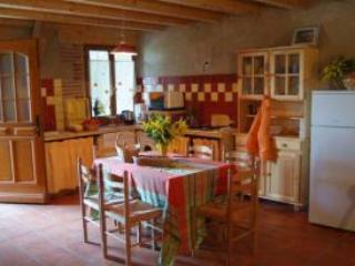 THE gite STABLE 3 - Alenya vacation rentals