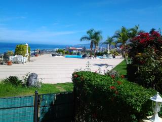Nice apartment with pool in residential complex - Puerto de la Cruz vacation rentals