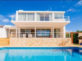 GREAT DEAL SEPTEMBER. Villa ZEN, sea view, beach - Albufeira vacation rentals