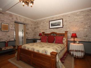 Itz Inn - Front Porch - Fredericksburg vacation rentals