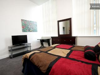 LUXURY 2BR ABOVE TRADER JOES BY RITTENHOUSE, DOORMAN - Philadelphia vacation rentals