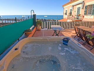 """Antica casa Gotuzzo - """"Il Fidente"""" - Chiavari vacation rentals"""