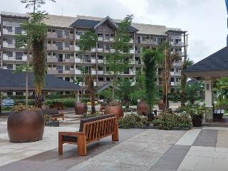 Nice Condo with Internet Access and A/C - Paranaque vacation rentals