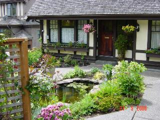 Beautiful House with Internet Access and Dishwasher - Greater Victoria vacation rentals