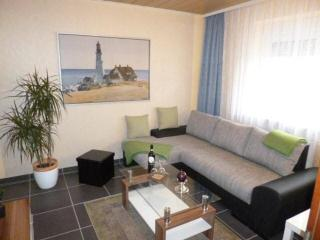 LLAG Luxury Vacation Apartment in Koblenz - 431 sqft, central, comfortable, well-equipped (# 3785) - Koblenz vacation rentals
