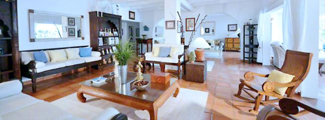 Villa Turquoise 4 Bedroom SPECIAL OFFER - Baie Rouge vacation rentals