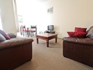 Nice 2 bedroom Apartment in Perth - Perth vacation rentals