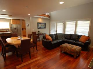 Martin's House, beautiful 3 bedroom in Pine Beach - Rockaway Beach vacation rentals