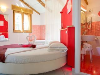 Minihotel IRIS - Camera De Luxe - Maiori vacation rentals