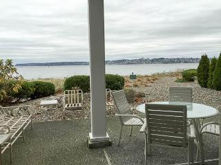 Semiahmoo C-1 View 2 Bedroom 2 Bath Villa - Blaine vacation rentals