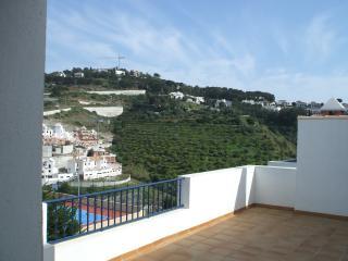 Maravillas Penthouse 2H - La Herradura vacation rentals