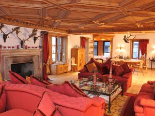 Luxury 3-bedroom Apartment in the Town Center - Samedan vacation rentals