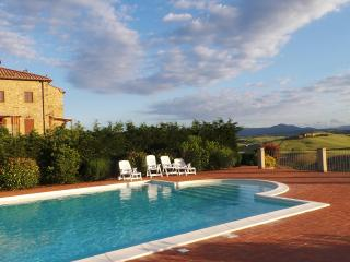 Beautiful condo in Tuscan countryside.  Sleeps 8 - Chianni vacation rentals
