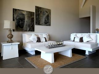 Sea View Deluxe Apartment - 1 min from beach & shops - pure luxury in the caribbean - Willemstad vacation rentals