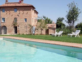 Il Casone, magnificent verdant Villa in Tuscany - Cortona vacation rentals